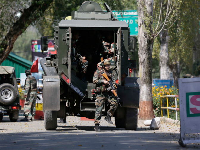 Indian Army to deploy hundreds of robots to fight terrorists in Kashmir.