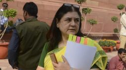 Maneka gets EC notice for telling Muslims to vote for her